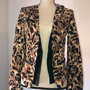 Bebe structures blazer, animal print size Small
